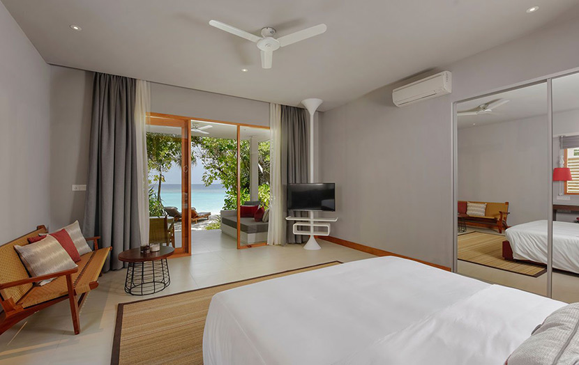 Отель Dhigali Maldives Deluxe Beach Bungalow