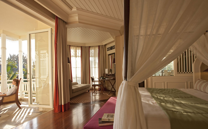 Отель Heritage Le Telfair Golf & Spa Resort. Номер Junior Suite