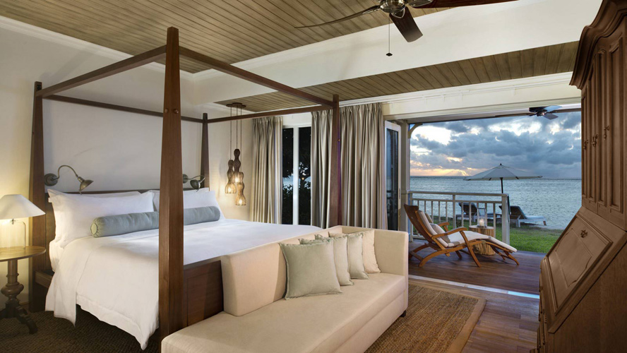 Отель The St. Regis Mauritius Resort -  номер категории Beachfront St. Regis Suite