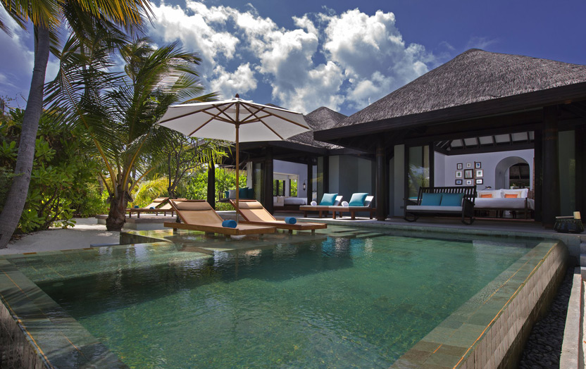 Отель Anantara Kihavah Villas. Family Beach Pool Villa.