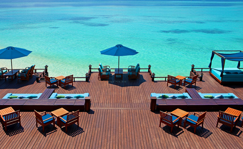 Отель Sheraton Maldives Full Moon Resort & Spa. Бар Ancorage.