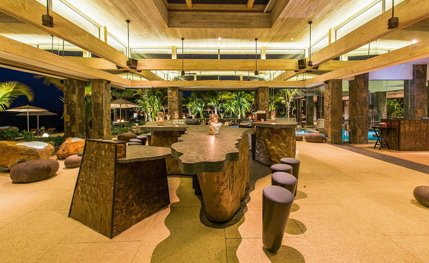 Отель The Westin Turtle Bay Resort & Spa Mauritius. Бар отеля.