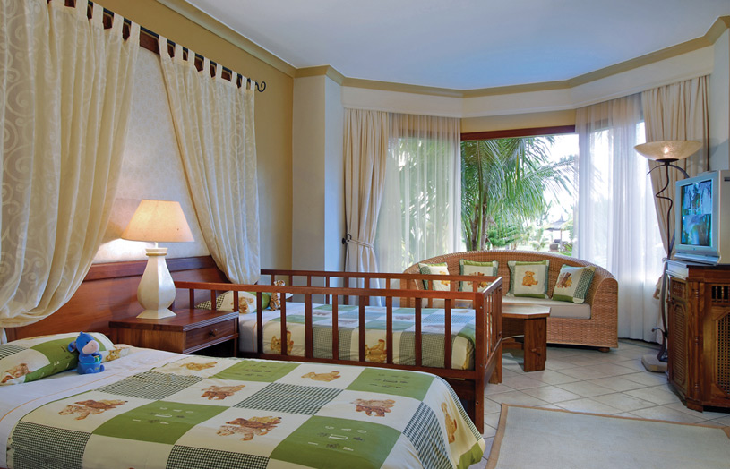 Отель Beachcomber Dinarobin Hotel Golf & Spa. Family Suite