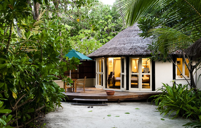 Отель Banyan Tree Vabbinfaru. Oceanview Pool Villa.