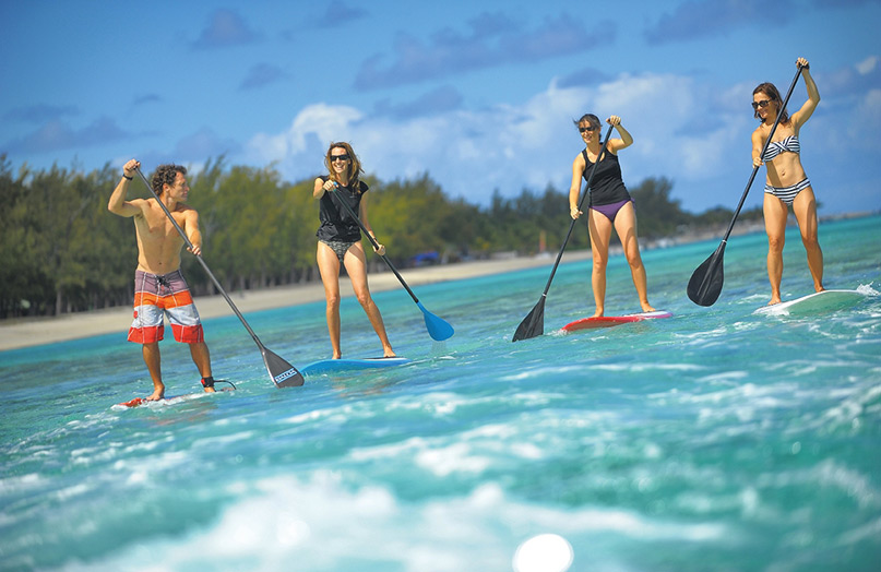 Фото отеля Beachcomber Dinarobin Hotel Golf & Spa. Stand-up paddle