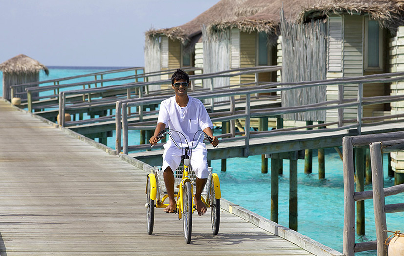 Отель Six Senses Laamu. Стаф.