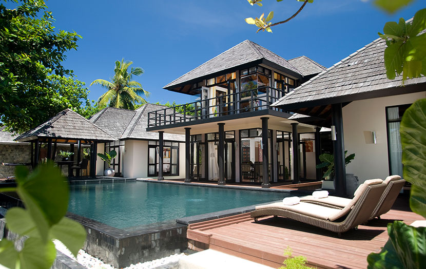 Отель JA Manafaru. Внешний вид виллы Royal Island Two Bedroom Suite with Private Pools.
