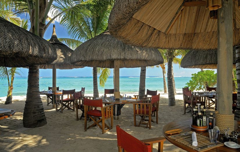 Отель Beachcomber Dinarobin Hotel Golf & Spa. Ресторан Le Morne Plage