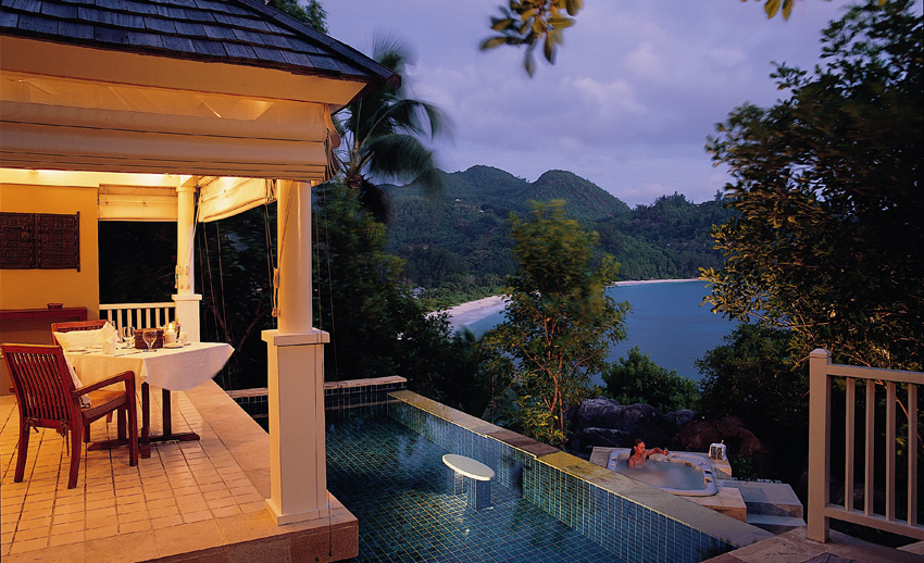 Banyan Tree Seychelles Indendance Bay View Pool Villa зона отдыха бассейн