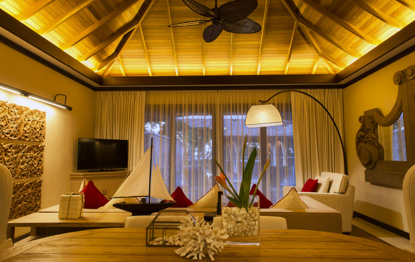 Отель The H Resort Beau Vallon Beach - Grand Beach Villa. Гостиная.