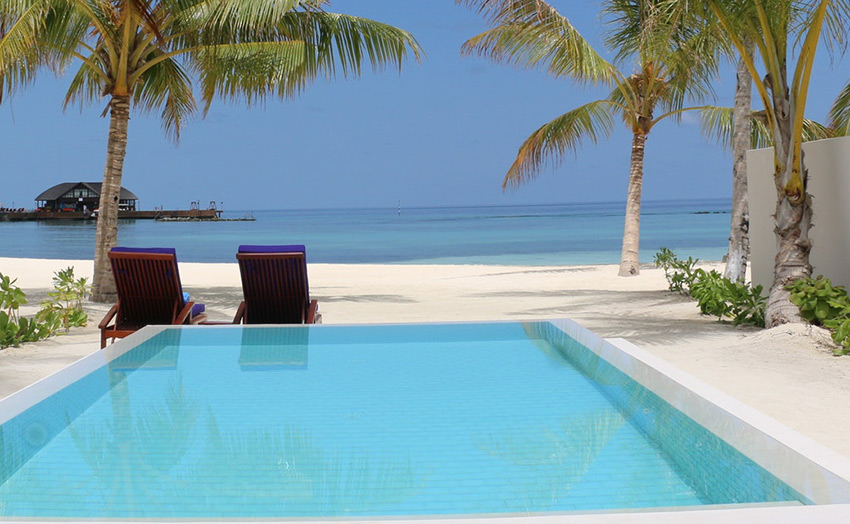 Olhuveli Grand Beach Villa Pool
